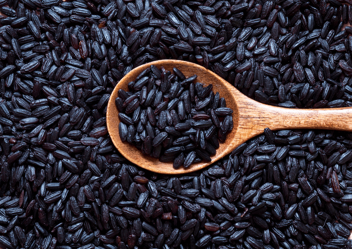 chinese forbidden black rice wooden spoon 2